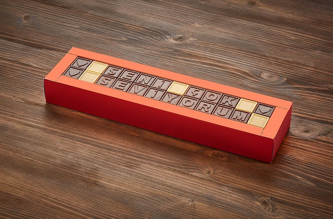 Mild Chocolate, Tatlı Harfler